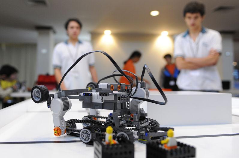 Panameños muestran su destreza este sábado en la Olimpiada Mundial de Robótica